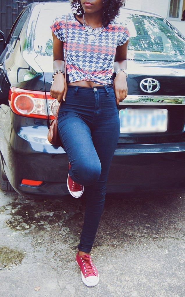 how-moji-styled-it-styling-burgundy-sneakers.jpg